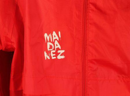 jacheta rosie de fas maidanez